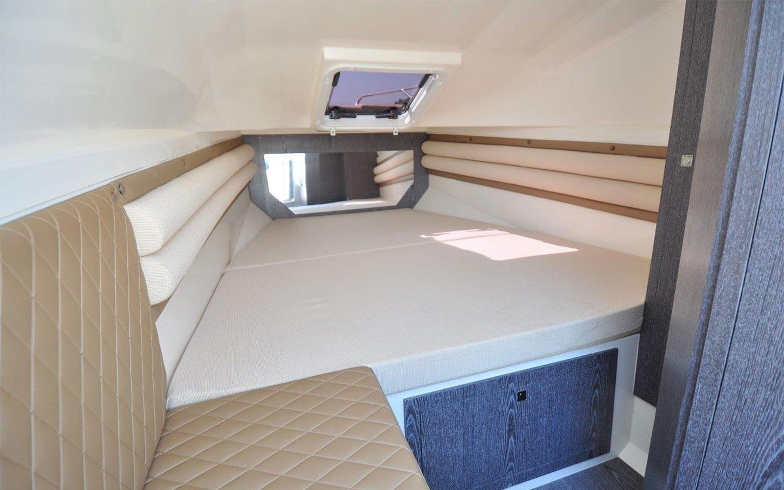 Nuova Jolly Prince 33 Sport Cabin