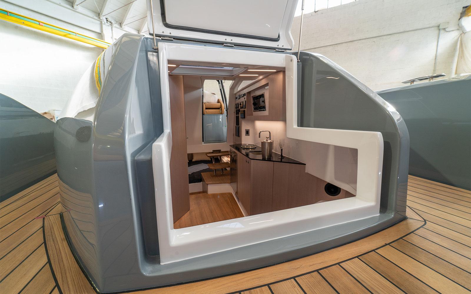 Nuova Jolly Prince 43 Luxury Cabin